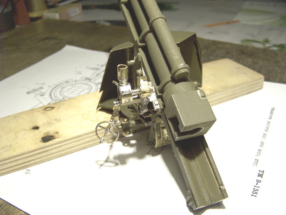 "M7 B1 105 Howitzer Gun Motor Carriage ""Priest"" - Heng Long - 1/16e - Page 2 103_3990-4ddb19d"