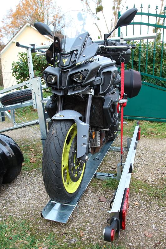 Une remorque moto sympa Remorque-cct44-260_04-537e2b6