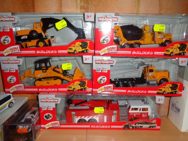 La collection de Mininches Dsc01123-4cf4747
