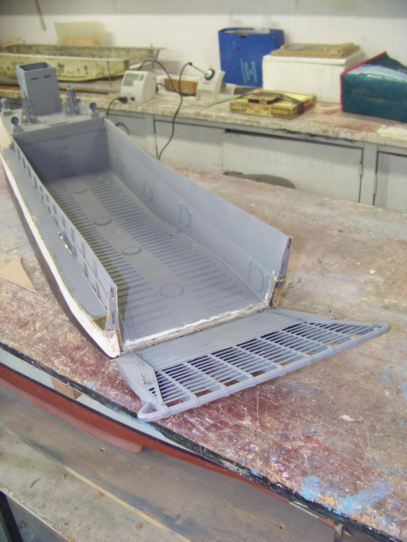 Barge LCM 6 au 1/16e - Page 4 109_3605-4a39443