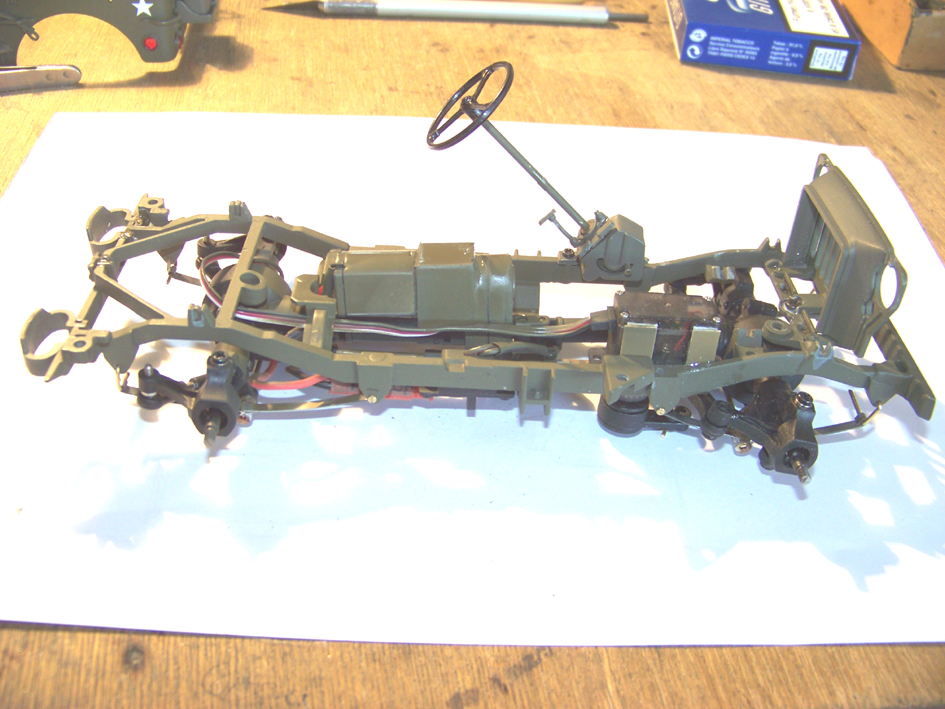 Jeep Danbury 1/16e, motorisée Sumo + remorque Bantam 1/4 t 100_2814-42eea55