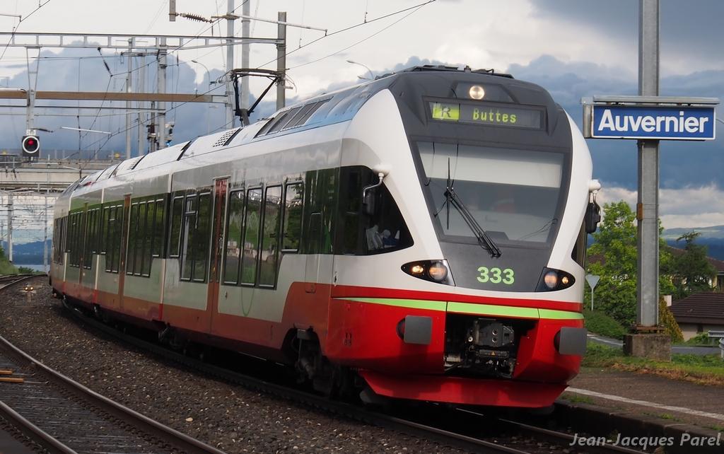 Spot du jour ferroviaire. Nouvelles photos postées le 28 Novembre 2016 Rabe-527-333-flirt-transn_02-3ed3fd5