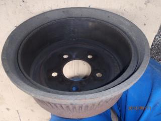 Des freins a tambours, c'est simple. P9110002-40d0a81