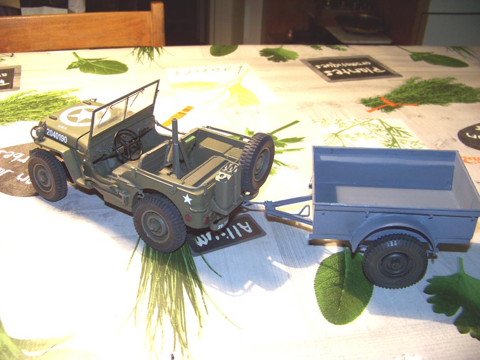 Jeep Danbury 1/16e, motorisée Sumo + remorque Bantam 1/4 t 100_2856-42e47b4