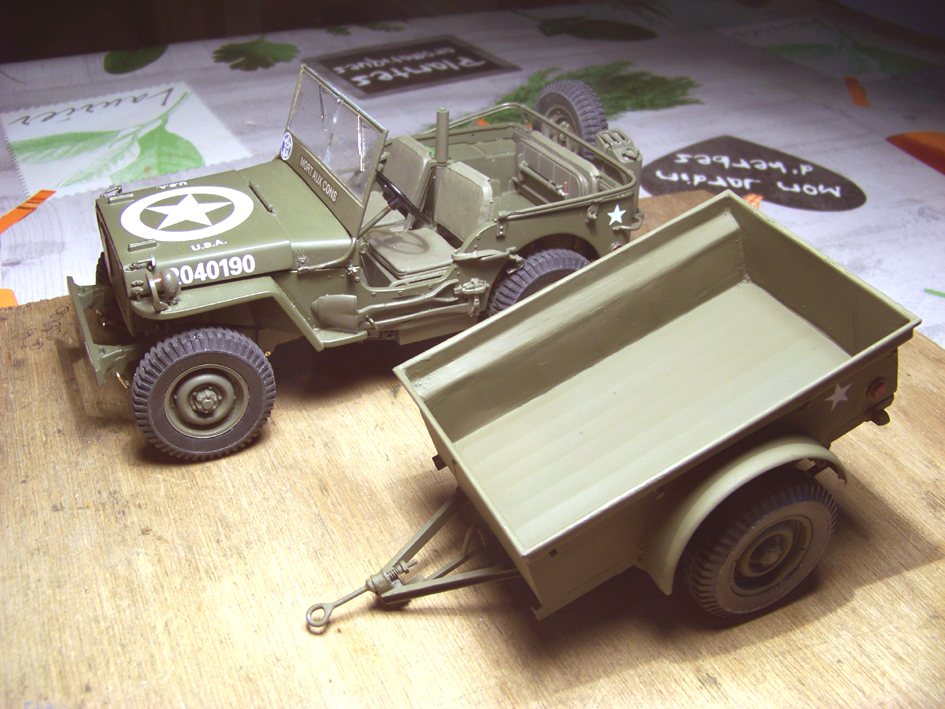 Jeep Danbury 1/16e, motorisée Sumo + remorque Bantam 1/4 t 100_2868-42eb112