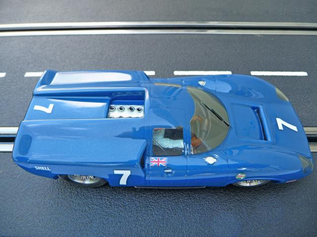 LOLA T70 au 1/32 et chassis COX P1080732-1--40e52d7