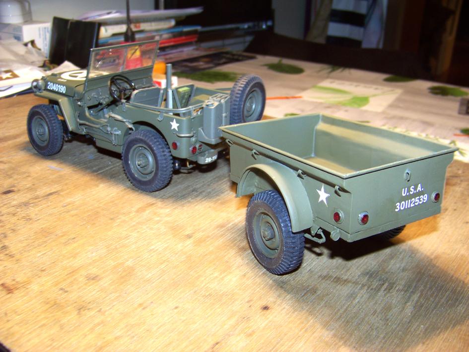 Jeep Danbury 1/16e, motorisée Sumo + remorque Bantam 1/4 t 100_2862-42eb10a