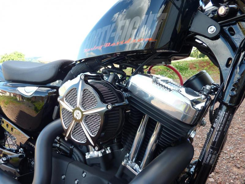 Harley Davidson Sporster 1200 Forty Eight avec quelques modifs ... P1030583-3f1e6a4