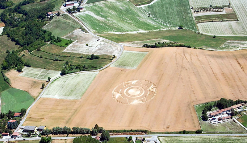 Crop Circles 2013. - Page 2 Italie-08-3f53c76