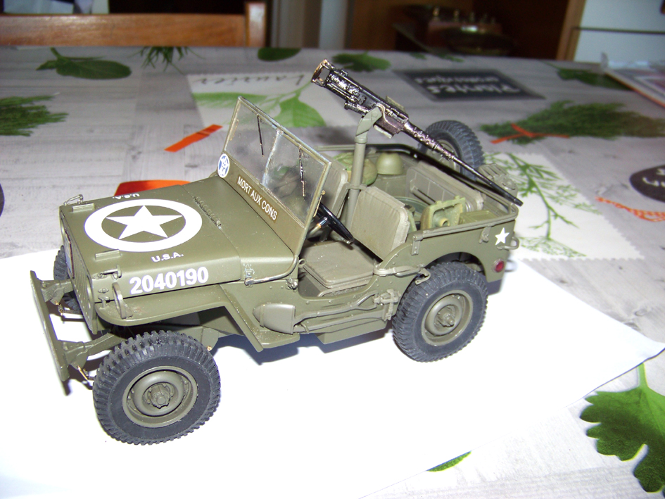 Jeep Danbury 1/16e, motorisée Sumo + remorque Bantam 1/4 t 100_2823-42d4729