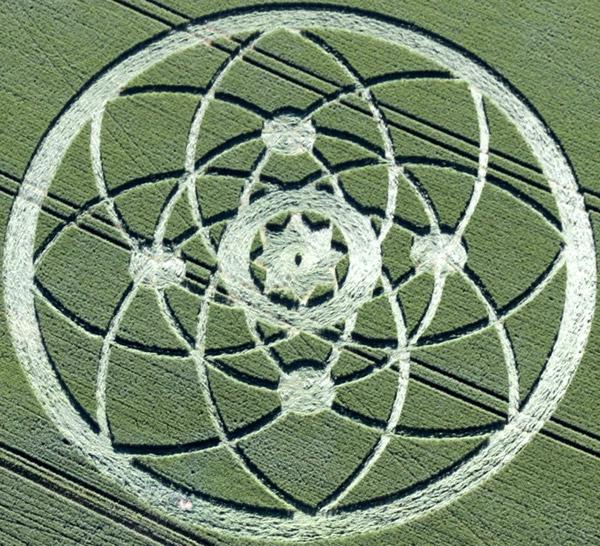 Crop Circles 2013. - Page 3 Gb1030a-3f9db03