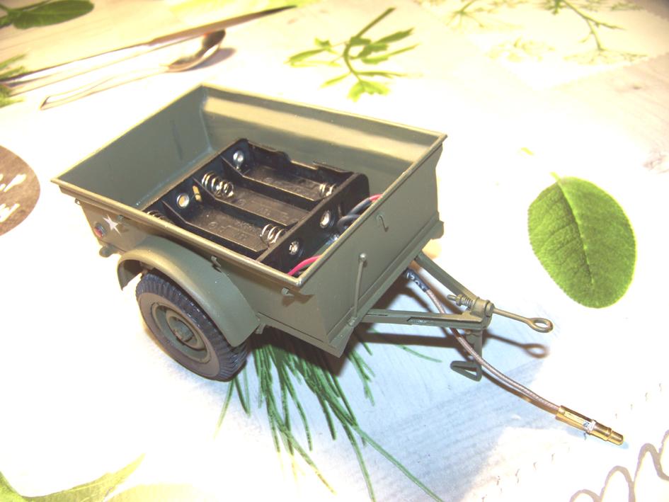 Jeep Danbury 1/16e, motorisée Sumo + remorque Bantam 1/4 t 100_2891-433d58f
