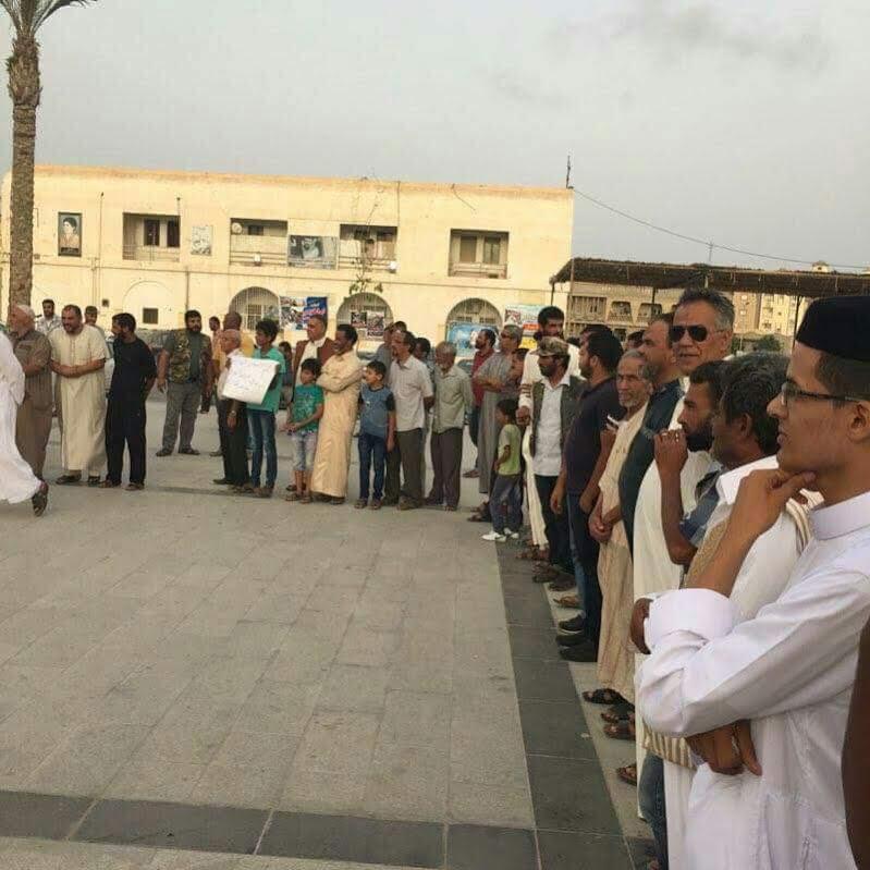 تظاهرات حاشدة بطبرق دعما لحفتر وتنديدا بالتدخل الخارجى فى الشأن الليبى 66591-1