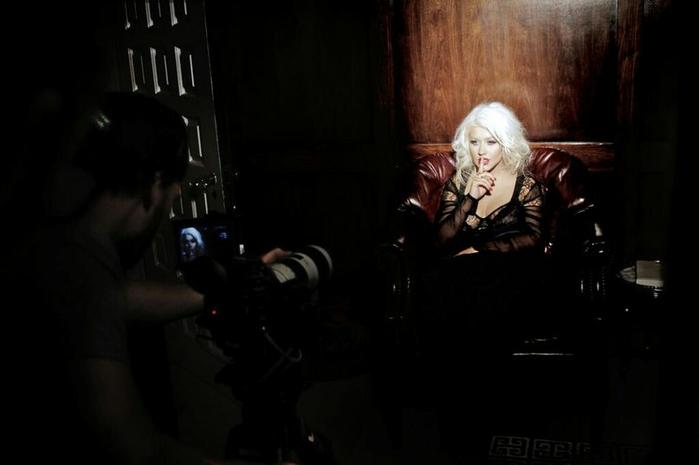 Christina Aguilera  - Страница 12 104555670_c9a600f93b9318aa5595059ebb1fabb4aeac835672525c5df1fb55b57bc5b25fafe087d122415315b6ef7e96f544ddcc7ab7bc1814fece967f18133