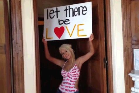 Christina Aguilera  - Страница 12 104588410_christinaagltbl