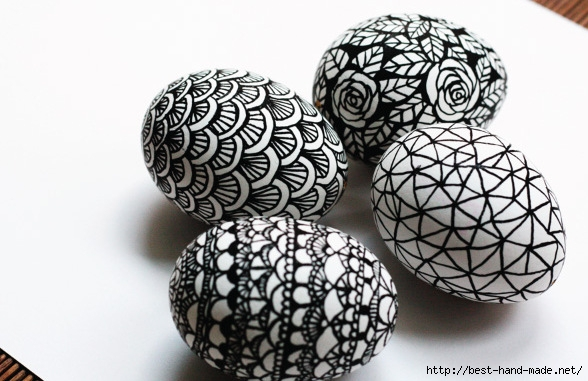 black-and-white-doodled-hand-drawn-easter-eggs (588x381, 161Kb)