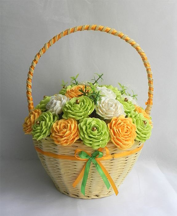 Яйца и другие плетенки из газет 111717776_Pletenie_iz_gazet_PASHALNUYH_KORZINOK_Masterklass__12_