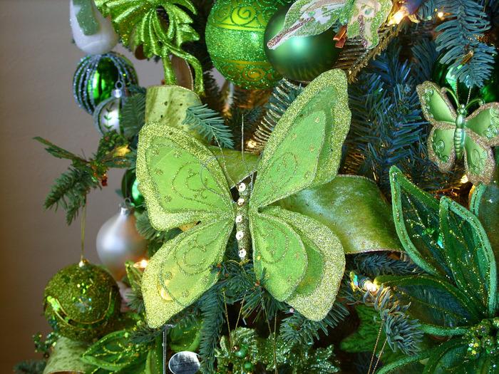 Какой он Новый год? 68470057_1293557611_butterflydecoration2