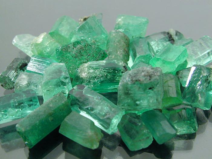 Изумрудная Сила Камня 72369593_1283766803_emerald1