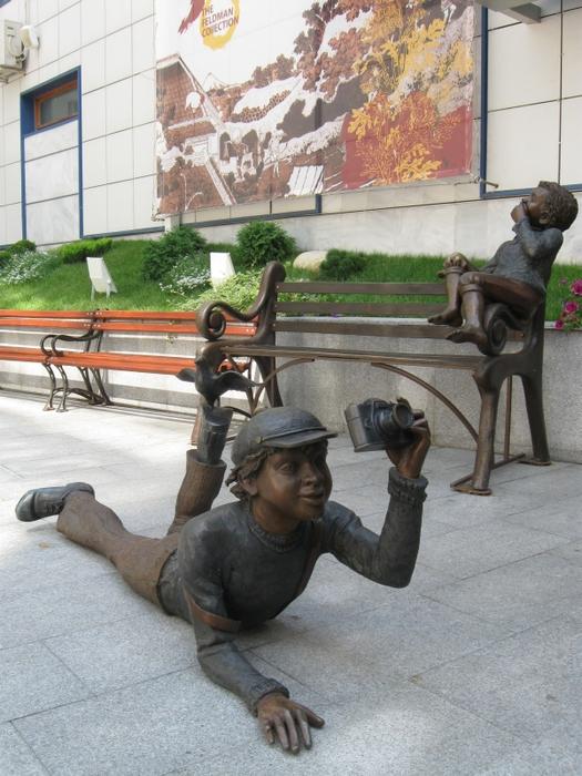 Statue i spomenici posvećene deci 93971984_large_5
