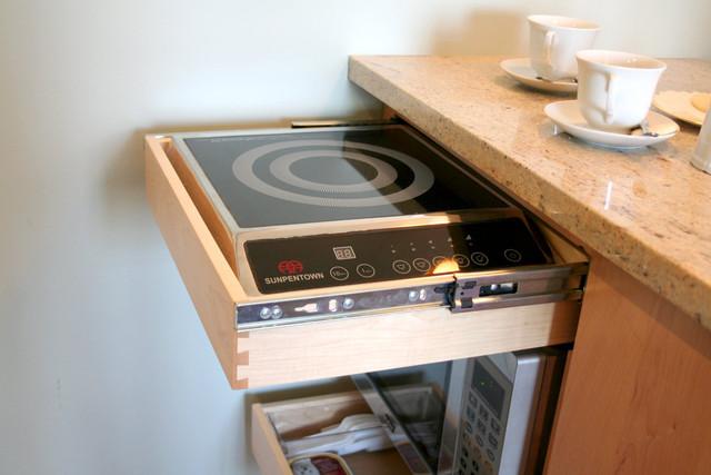 Маленькая кухня - не наказание!:) 96656284_kittiekitchentour10_rect640