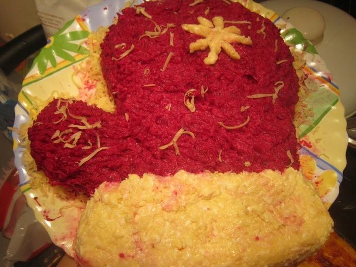 Фотоподборка оригинально оформленных новогодних салатов 108568562_fotosalatovnanovuyygod2013009
