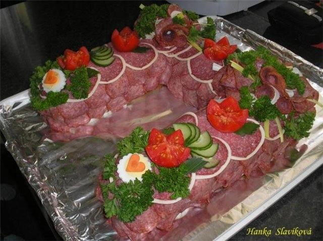 Фотоподборка оригинально оформленных новогодних салатов 108568564_2c4e942a391c