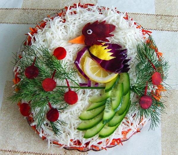 Фотоподборка оригинально оформленных новогодних салатов 108568568_68382716_1293391662_ukrnewyearblud08