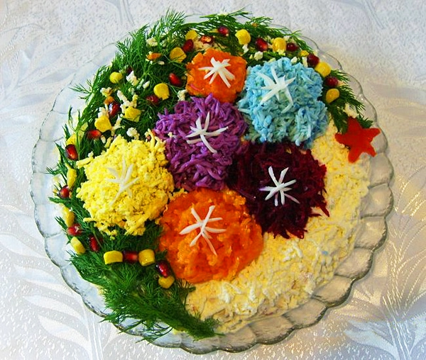 Фотоподборка оригинально оформленных новогодних салатов 108568592_saladnewyear00