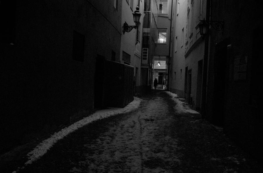 Hopeless [Vaurien] Dark_alley_by_michaeljtr