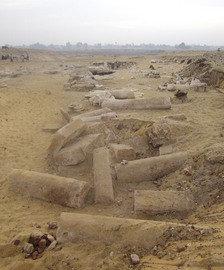 Egiptólogos catalanes retoman las excavaciones sin ayudas de El-eje-monumental-con-columnas_54280761740_51348736062_224_270