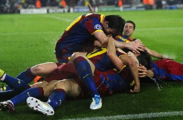 ادركوا ياصغار .. البطولة للكبار (صور المباراة) Los-jugadores-del-Barca-celebr_54148174605_54115221154_600_396