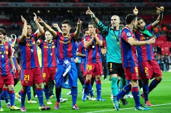 صور اضافية عن لقاء برشلونة ضد المان بعد المباراة  Barcelona-s-players-celebrate-_54161073888_54115221154_600_396