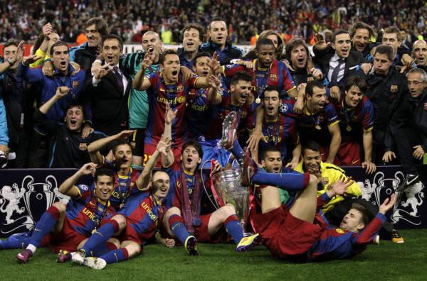 صور اضافية عن لقاء برشلونة ضد المان بعد المباراة  Barcelona-team-celebrate-with-_54161073918_54115221154_600_396