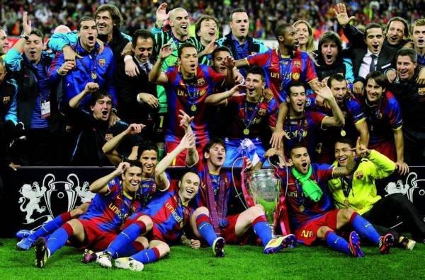 صور اضافية عن لقاء برشلونة ضد المان بعد المباراة  Los-jugadores-se-hacen-la-foto_54161073633_54115221154_600_396
