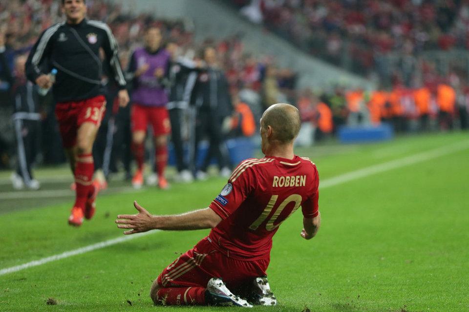 بالصور مباراة بايرن ميونيخ - برشلونة 4-0 (23-04-2013) Bayern-s-Arjen-Roben-from-the-_54371484239_54115221152_960_640
