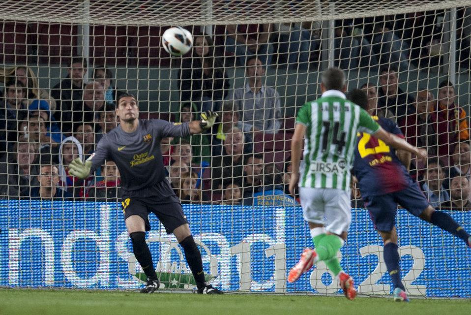صور المباراة: برشلونة 4-2 بيتيس  05-05-2013 FC-BARCELONA-BETIS-FOTO-MANEL-_54373832396_54115221152_960_640