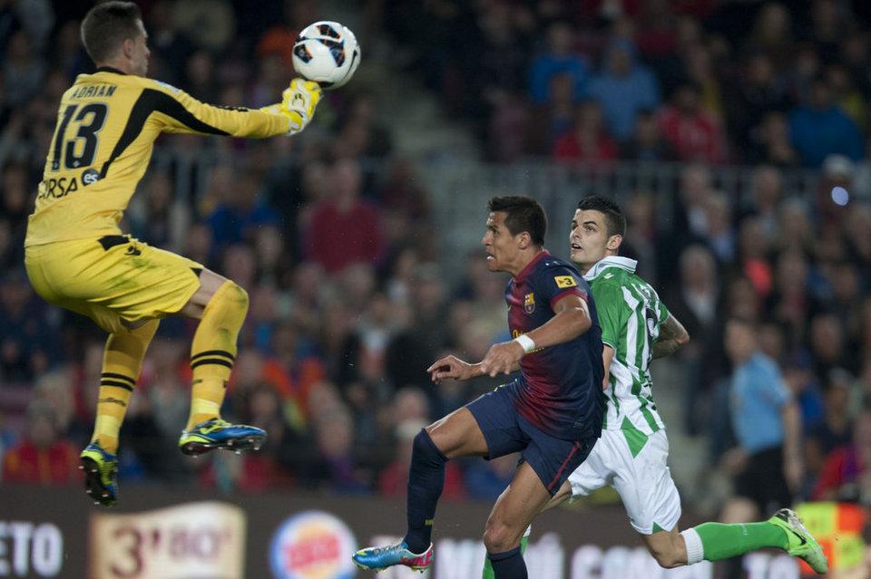 صور المباراة: برشلونة 4-2 بيتيس  05-05-2013 FC-BARCELONA-BETIS-FOTO-MANEL-_54373832421_54115221152_960_640