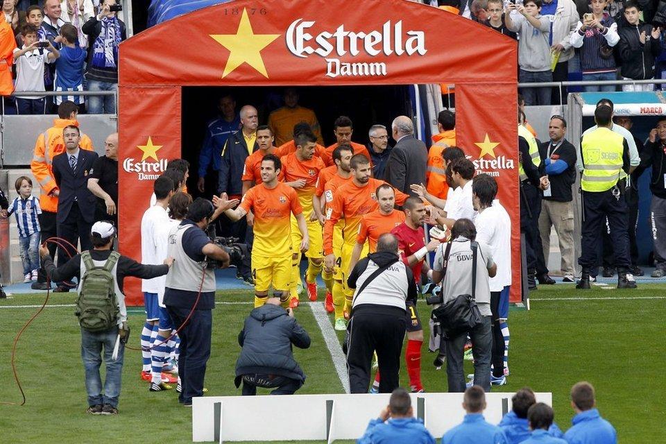 صور مباراة اسبانيول - برشلونة 0-2 ( 26-05-2013 )  Pasillo-del-Espanyol-al-Barca-_54374415745_54115221152_960_640