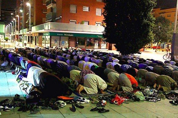 Atentados en París - Página 2 Durante-el-Ramadan-los-musulma_54387854513_53389389549_600_396