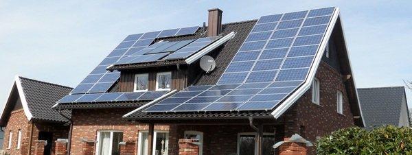 Al carajo la energía solar Placas-solares-en-un-domicilio_54399526923_51351706917_600_226