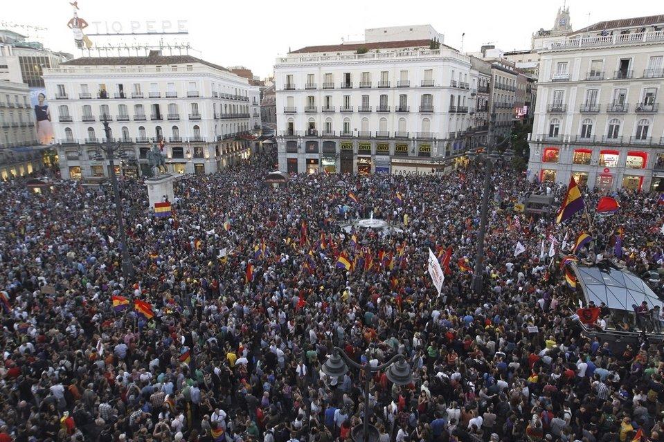 Manifestaciones pro Referéndum vs Monarquía  Concentracion-que-se-celebra-h_54408631904_54028874188_960_639