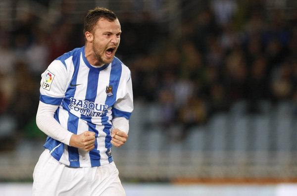 SEFEROVIc. .ficha por el Eintrach(Alemán ) y marco 2 goles al Inter.Amistoso - Página 3 PARTIDO-COPA-REY-REAL-SOCIEDAD_54398981343_54115221154_600_396