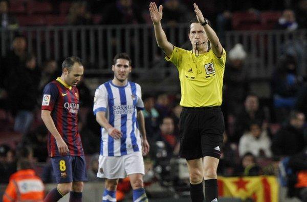 El árbitro del Barsa- R.Sociedad el sábado en  el Bernabeu La-Real-Sociedad-clamo-por-el-_54399991405_54115221154_600_396