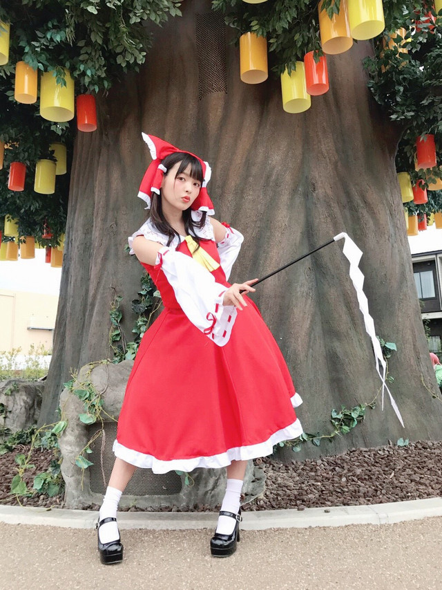 [Cosplay] Reimu Hakurei ( Sumire Uesaka trong World Cosplay Summit 2017) C6a8af2de4a991c8c5e1d19fdc9830571501503582_full