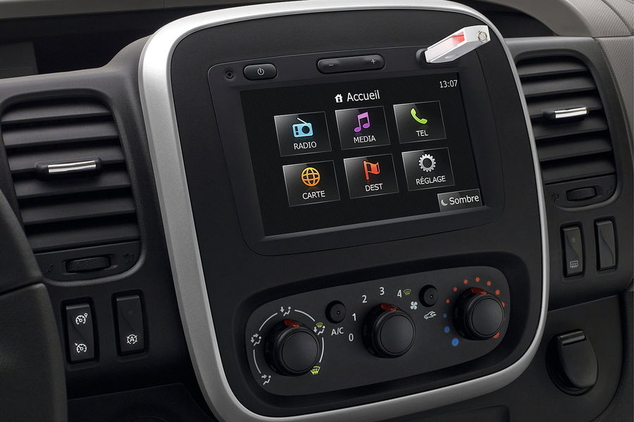2014 [Renault/Opel/Fiat/Nissan] Trafic/Vivaro/Talento/NV300 - Page 6 Renault-Trafic-fotoshowBigImage-828edcb0-771044