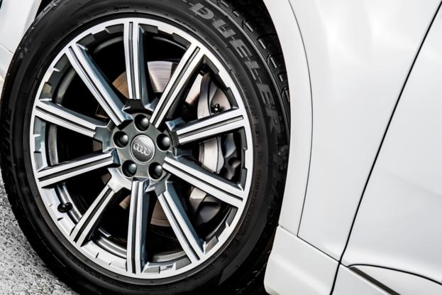 Sobre Audi Q7 2018 120137_1
