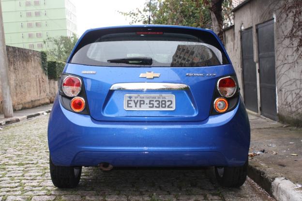 Sobre Chevrolet Sonic 2012 30403_1