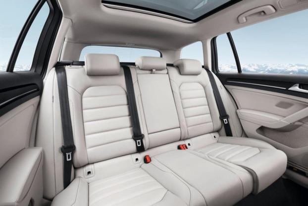 Sobre Volkswagen Golf Variant 90152_1