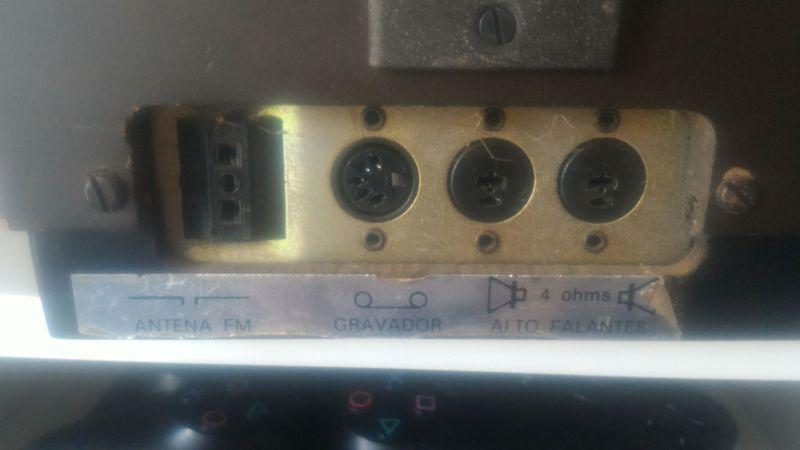 Ligando toca disco ativo em monitor de áudio Music-734291